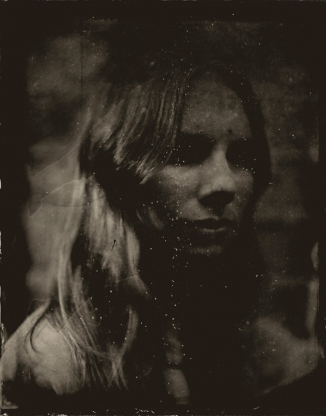 http://rikardosterlund.com/files/gimgs/th-20_Wetplate-scan-21060418-DarkEyes_v2.jpg
